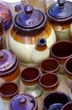 茶壶陶瓷跳蚤市场 库存图片