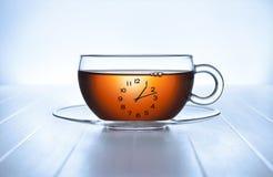 茶时钟的时刻 免版税库存照片