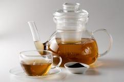 茶杯和茶壶 图库摄影