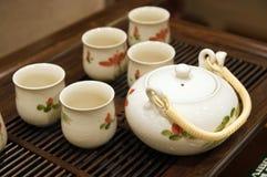 茶杯茶壶 免版税图库摄影