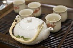 茶杯茶壶 免版税库存图片