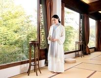 茶艺术专家竹窗口中国茶道 库存照片