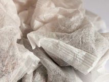 茶袋关闭白色和黑布料张力材料 库存照片