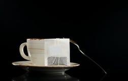 茶袋茶杯 免版税库存照片