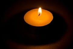 茶轻的蜡烛 免版税库存照片