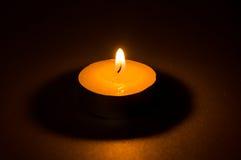 茶轻的蜡烛 库存照片