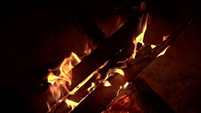 草丛营火焚化晚上 影视素材
