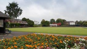 草地滚木球场的一个低级看法在维多利亚公园 免版税库存图片