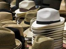 草帽,在市场上 库存照片