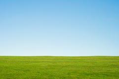 草横向天空 库存照片