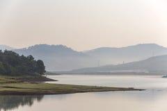 草甸,湖 图库摄影