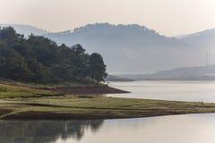 草甸,湖 库存图片