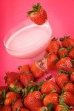 草莓健康饮料 图库摄影