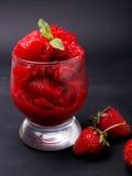 草莓冰糕 免版税库存图片