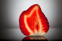 草莓切片 库存图片