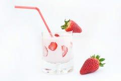 草莓和鸡尾酒 库存照片