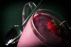 草莓奶汁为健康生活 图库摄影