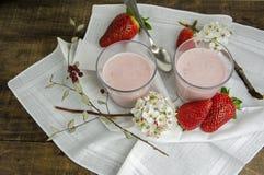 草莓奶油甜点coctail 免版税库存图片