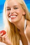 草莓妇女年轻人 免版税库存图片