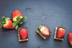 草莓提拉米苏 免版税库存照片