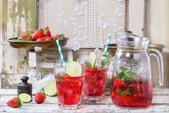 草莓柠檬水 库存照片