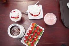 草莓款待 免版税库存照片