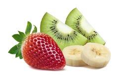 草莓猕猴桃处所在白色backgro 3隔绝的片断香蕉 免版税库存图片