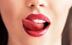 草莓舌头的概念性图象 图库摄影