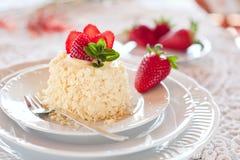 草莓蛋糕 免版税库存图片