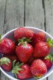 草莓表 免版税库存照片