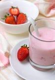 草莓酸奶 免版税库存照片