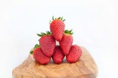 草莓金字塔 免版税库存照片