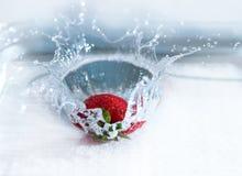 草莓飞溅 库存照片
