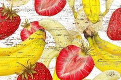 草莓,在难看的东西背景的香蕉 库存图片