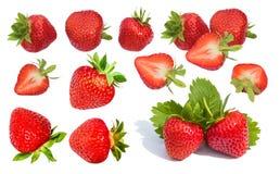 草莓 整个和被切的草莓的汇集 免版税图库摄影