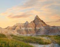 荒地的被腐蚀的山日出的 库存照片