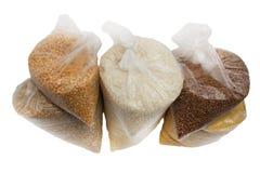 荞麦、米和豌豆在一个塑料袋 库存照片