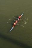 荡桨在多瑙河的四个人 图库摄影