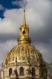 荣军院圆屋顶,平衡光 库存图片