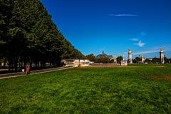 荣军院广场,巴黎在一个晴天 库存图片