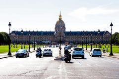荣军院,巴黎在一个晴天 免版税库存图片