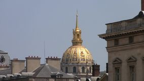 荣军院Golden Dome在巴黎上,法国屋顶的  影视素材