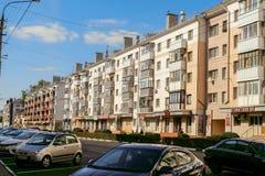 荣耀的远景 赫鲁晓夫时代的老典型的苏联居民住房墙壁  别尔哥罗德州,俄罗斯 免版税库存照片