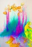 荧光背景的油漆 免版税库存图片