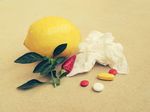 药片和手帕 免版税图库摄影