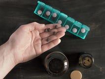 药片箱子顶视图有拷贝空间的 库存照片