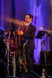 荷兰人摇摆学院带在带在`爵士乐在记忆里执行在Bangsaen `音乐会的爵士乐奴才执行 免版税图库摄影