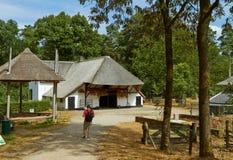 荷兰传统建筑学,老荷兰房子 免版税库存照片