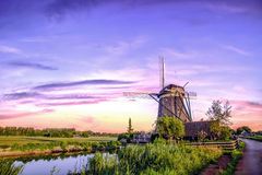 荷兰日出风车 库存图片