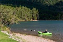 荷兰湖, MONTANA/USA - 9月19日:湖H风景看法  免版税库存图片